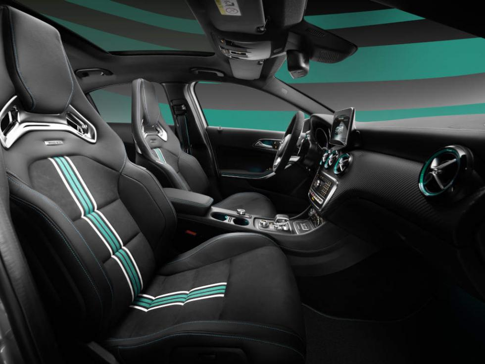 MERCEDES AMG PETRONAS 2015 World Champion Edition interior