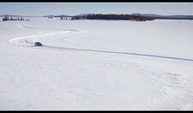 réplica de Silverstone sobre un lago helado 7