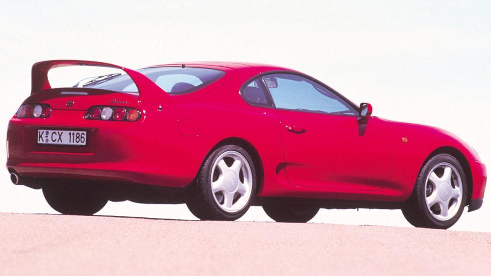 deportivos malos circuito Toyota Supra zaga