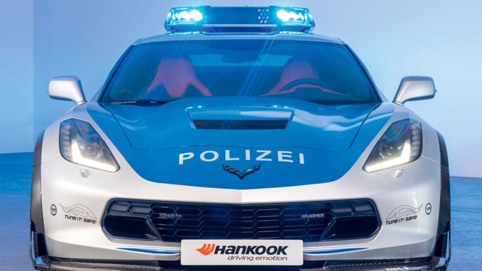 Corvette de la policía alemana frontal