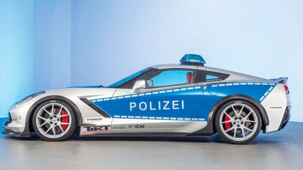 Corvette de la policía alemana perfil