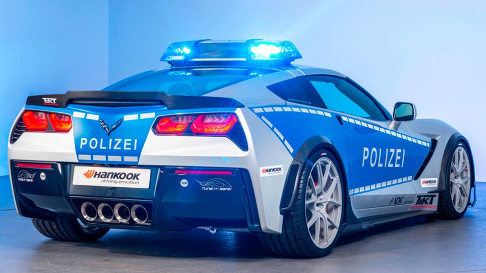 Corvette de la policía alemana trasera