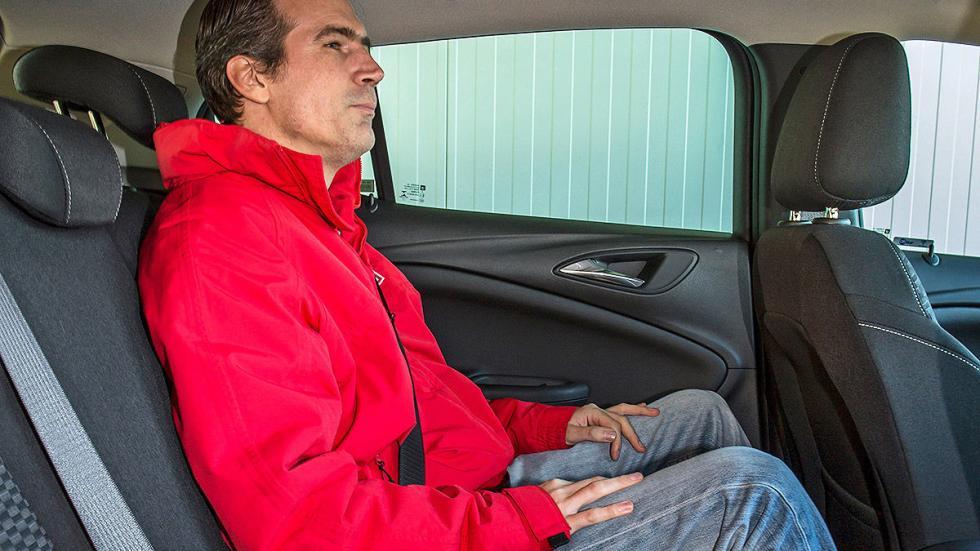 Opel Astra traseras