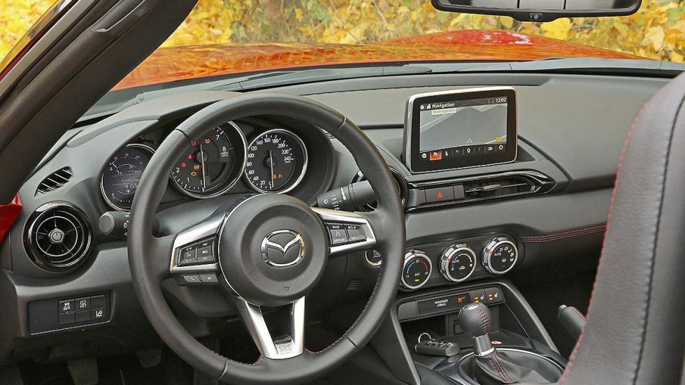 Mazda MX-5 detalle interior