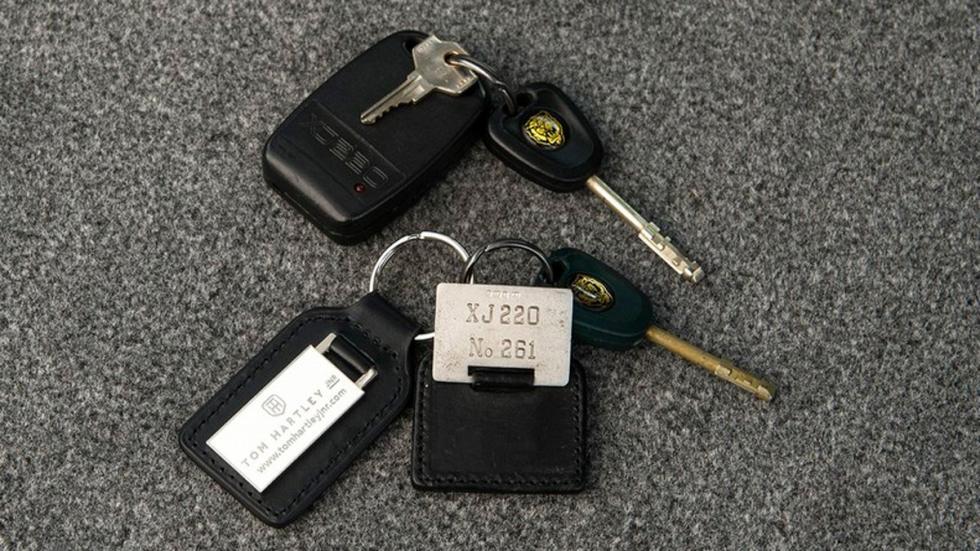 Jaguar XJ220 1993 llaves