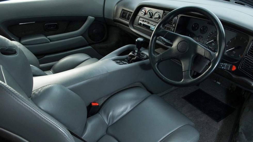 Jaguar XJ220 1993 interior