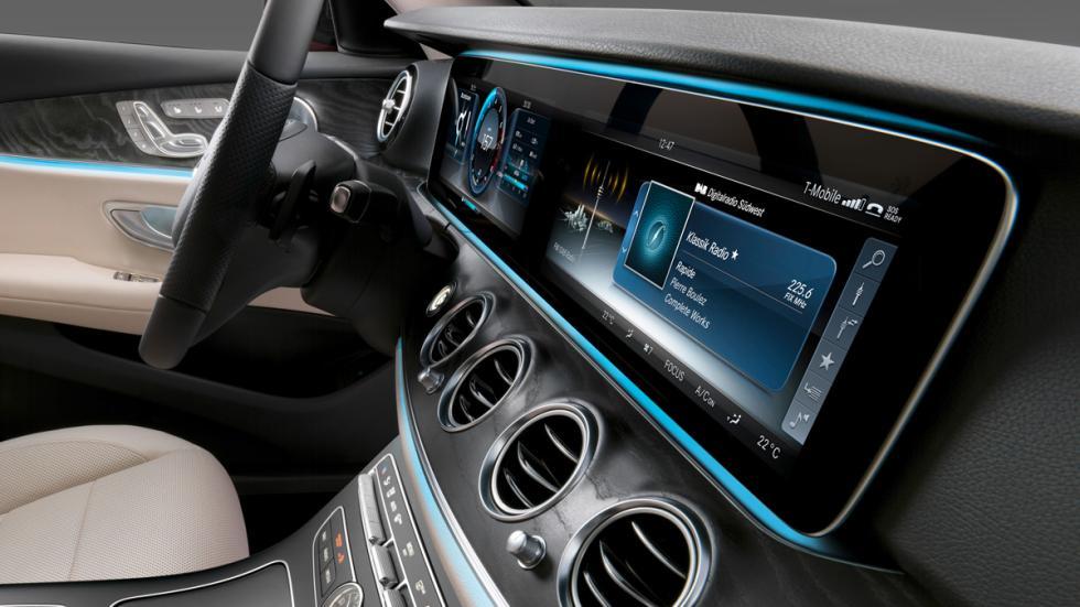 Mercedes Clase E 2016 interior pantallas