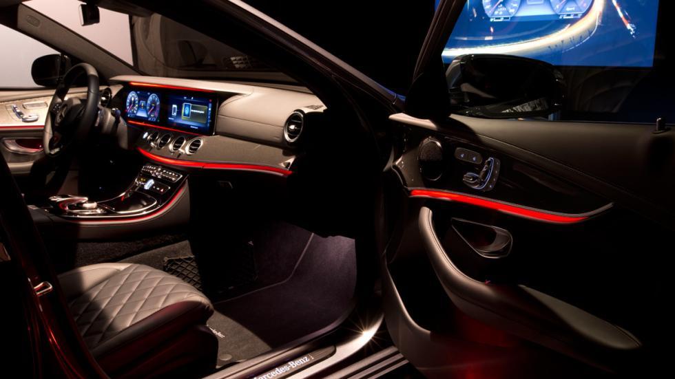Mercedes Clase E 2016 interior iluminacion