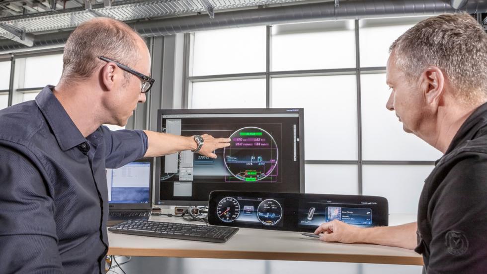 Mercedes Clase E 2016 interior pantalla desarrollo
