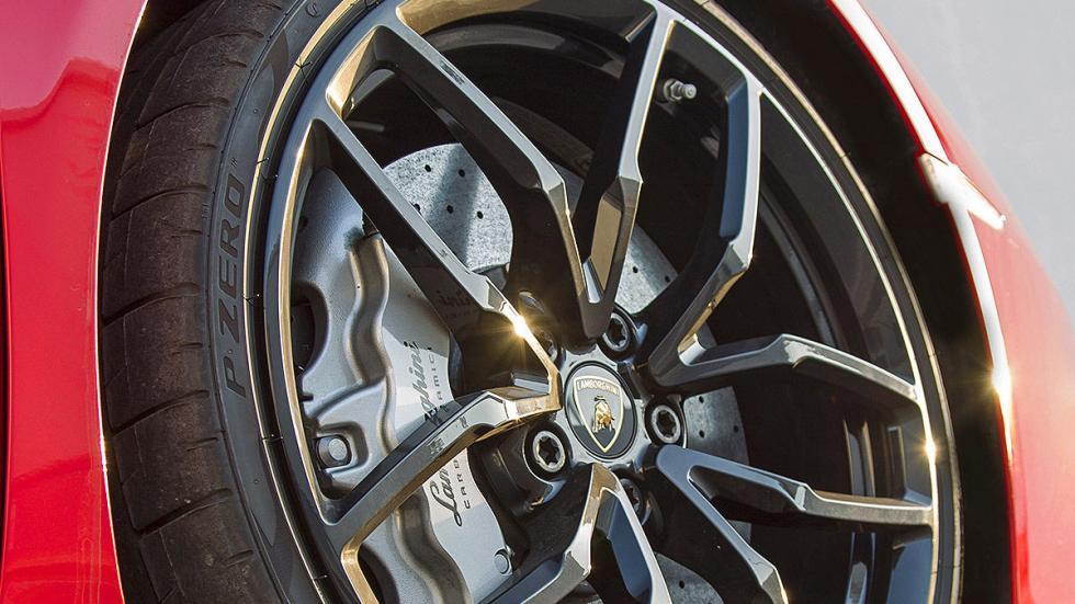 Prueba bestial: Lamborghini Huracán LP 580-2 llanta