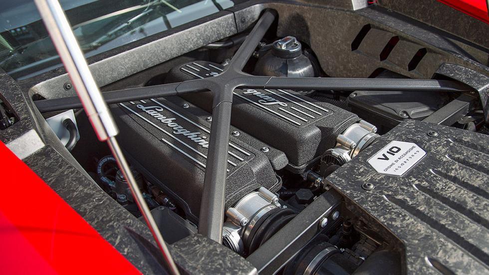 Prueba bestial: Lamborghini Huracán LP 580-2 morro motor