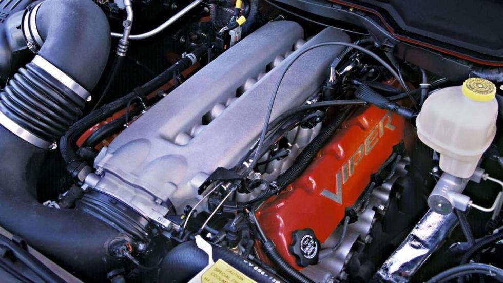 coches-lobo-piel-cordero-Dodge-RAM-SRT10-zaga