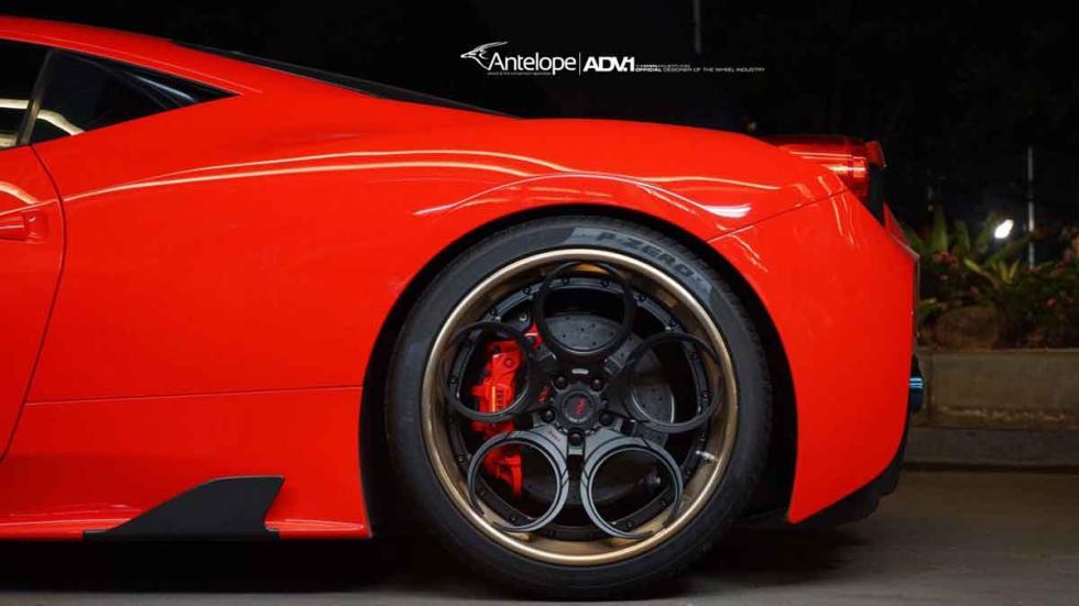 Ferrari 458 Speciale con neumáticos ADV detalle