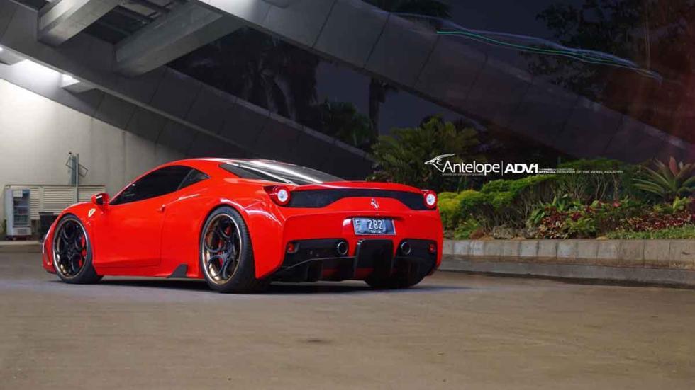 Ferrari 458 Speciale con neumáticos ADV trasera