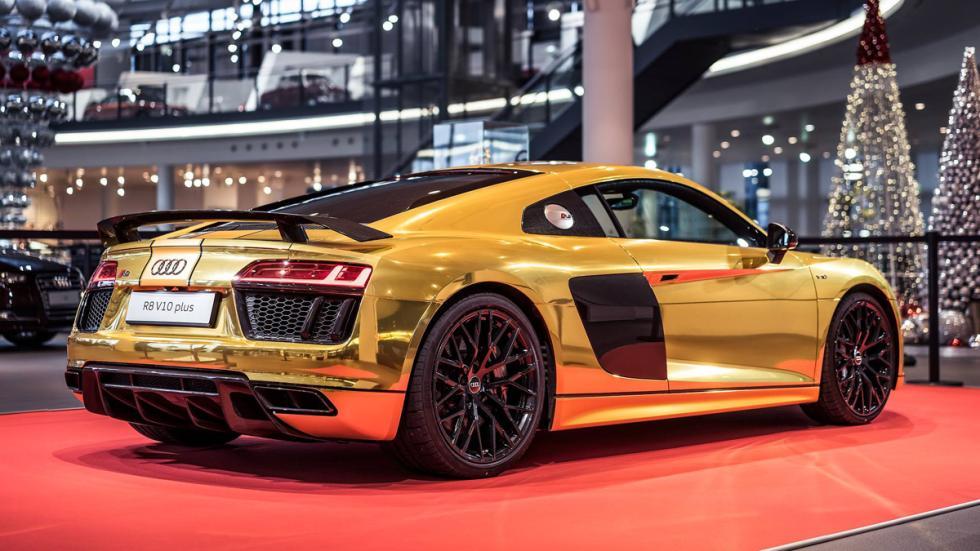 Audi R8 V10 2015 oro trasera