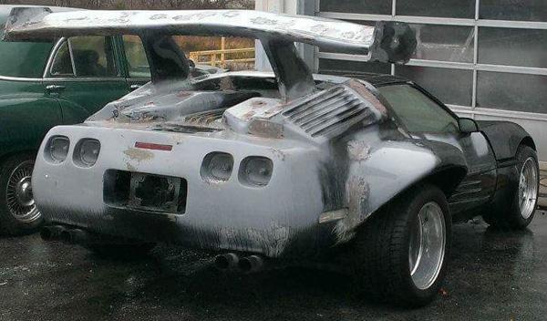 Atrocidades coches corvette aleron