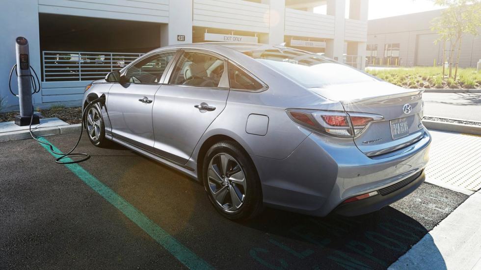 mejores-motores-2016-wardsauto-hyundai-sonata-hybrid