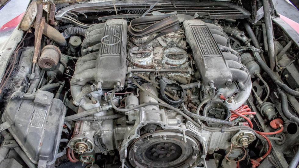 Ferrari Testarossa quemado restaurar motor