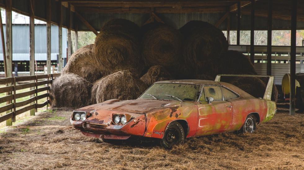 dodge charger daytona abandonado granja