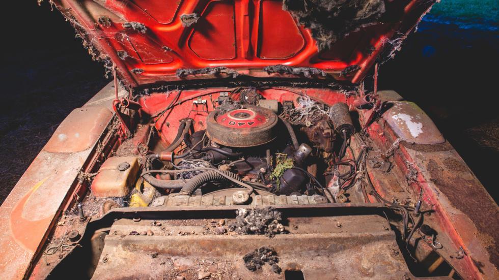 dodge charger daytona abandonado granja motor 440
