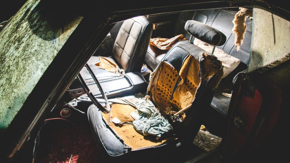 dodge charger daytona abandonado granja asientos