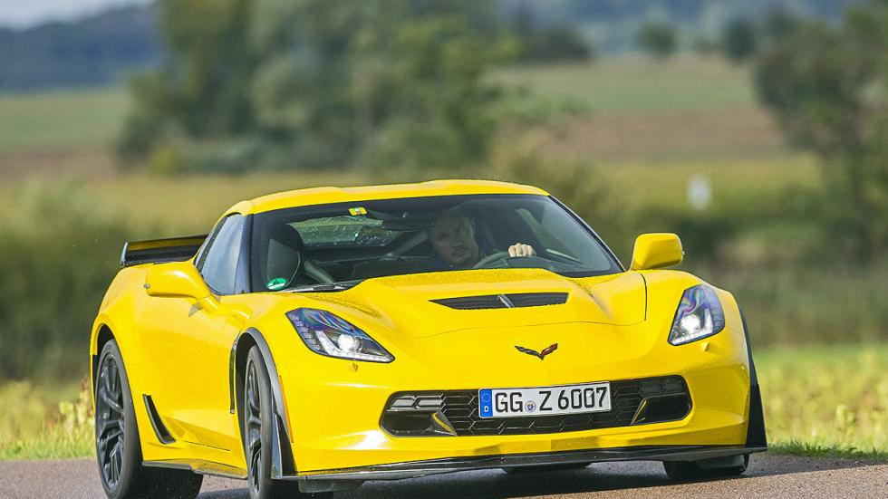 Chevrolet Corvette Z06 morro