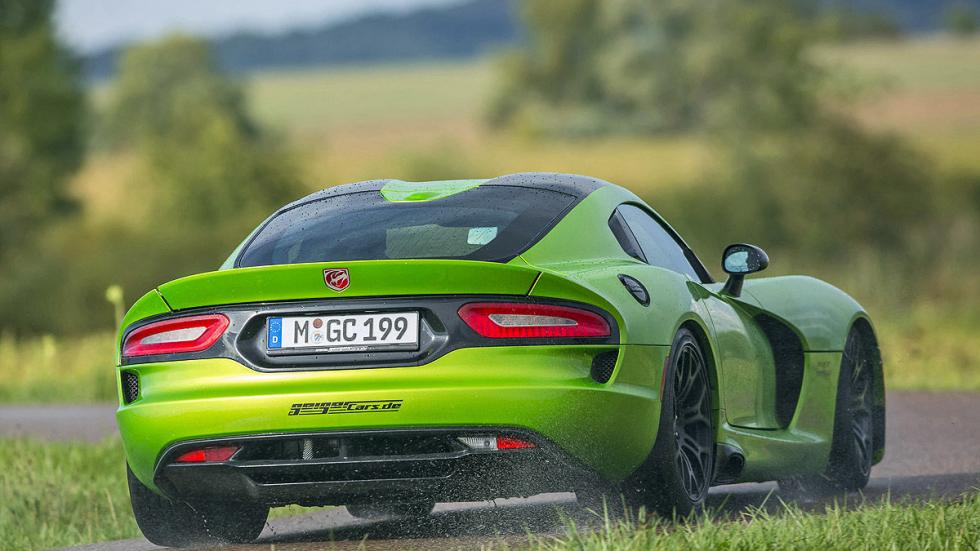 Dodge SRT Viper zaga