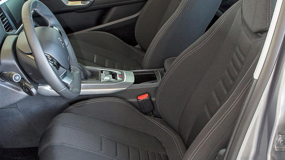 Peugeot 308 interior detalle asientos