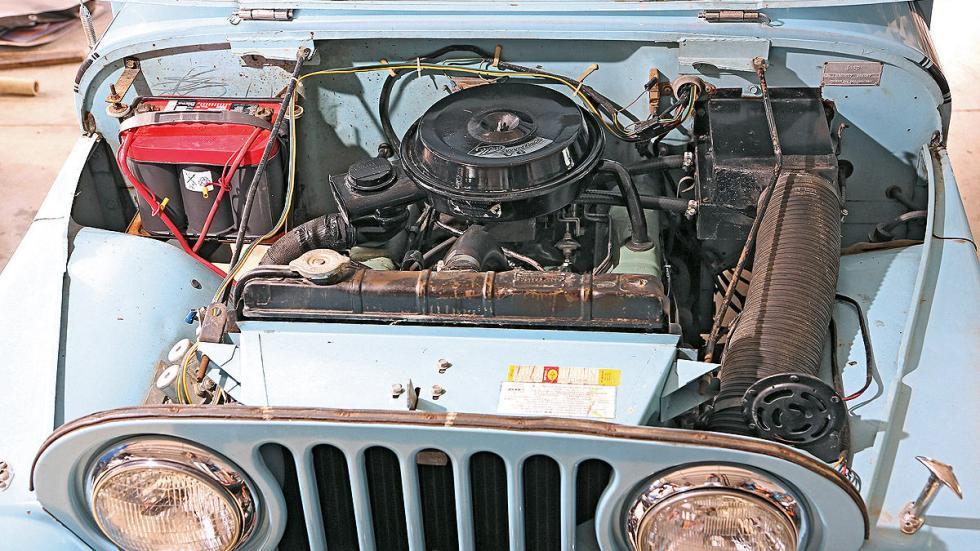 Jeep CJ-5 Renegade de 1970 interior motor