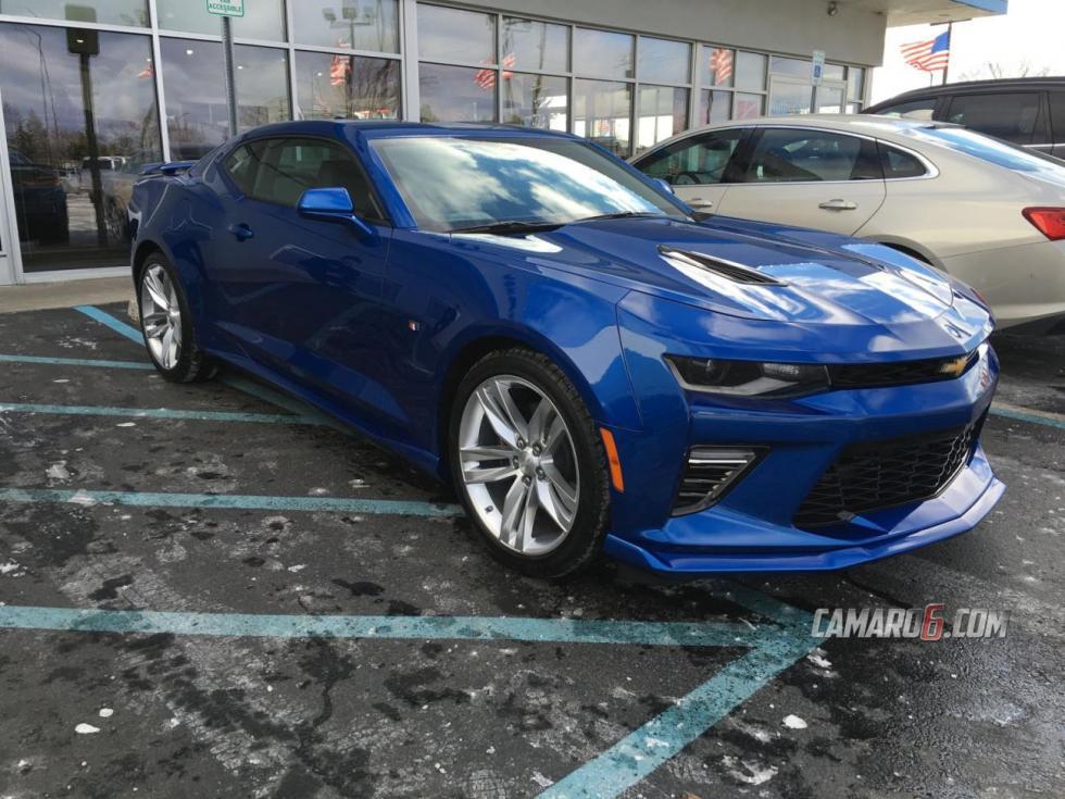 Camaro SS 2016 pintado en Azul Metálico