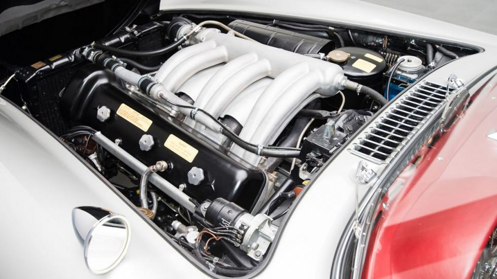 Mercedes 300 SL plata motor