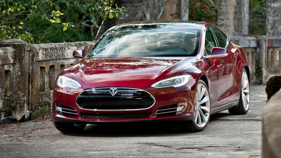 coches-más-rápidos-de-lo-que-parecen-tesla-model-s