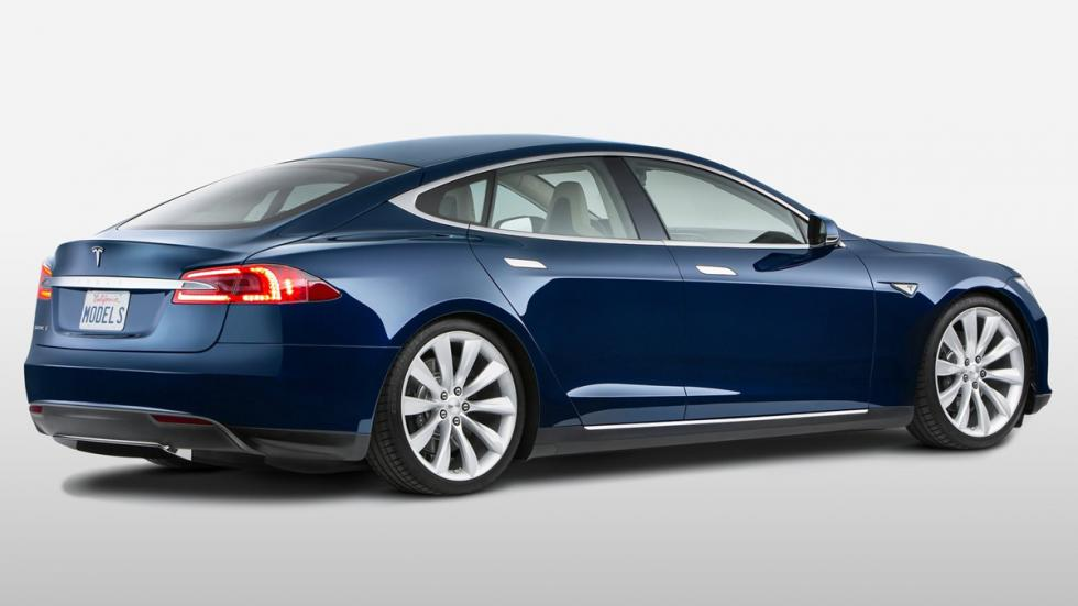 coches-más-rápidos-de-lo-que-parecen-tesla-model-s-zaga