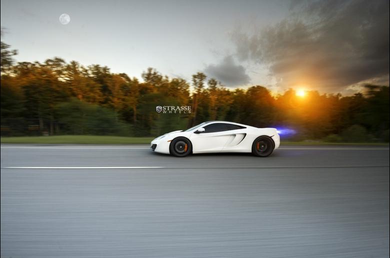 McLaren 12C AMS lateral