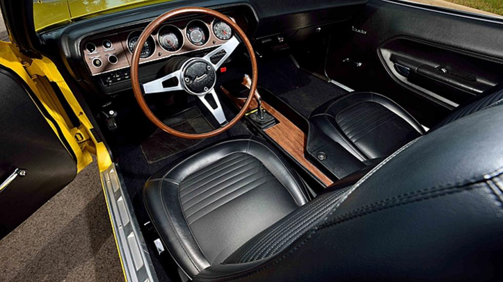 plymouth hemi cuda convertible interior