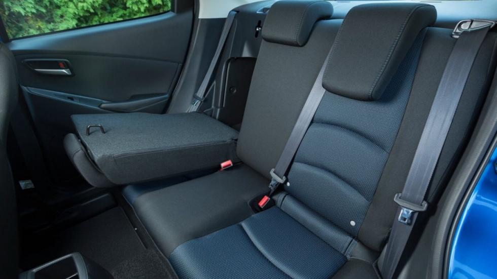 asientos yaris sedán