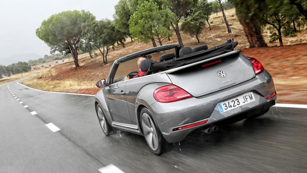 VW-Beetle-tres-cuartos-trasera