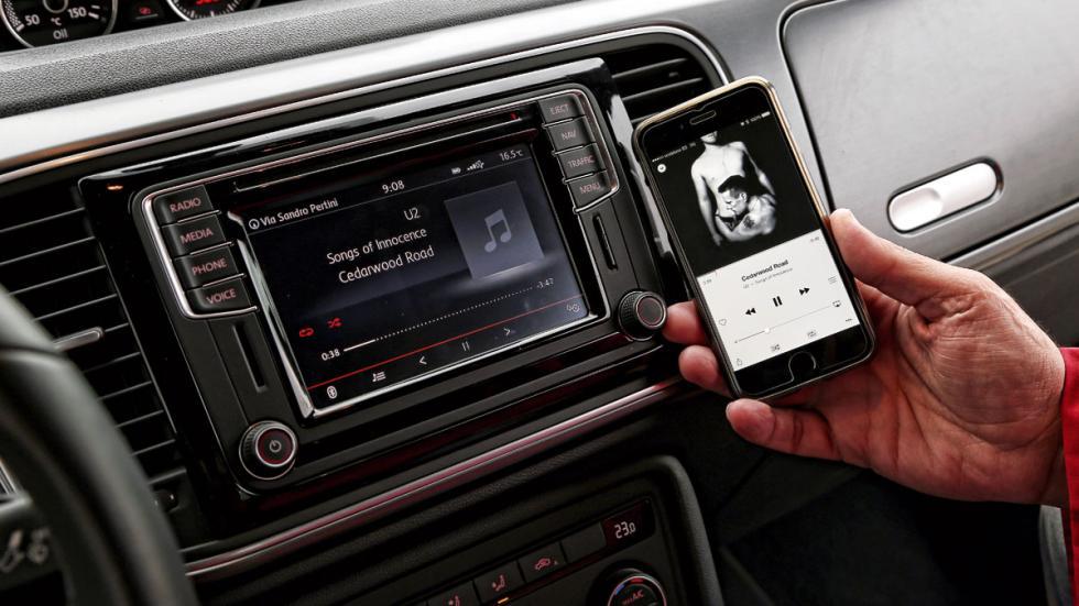 VW-Beetle-pantalla-conectividad