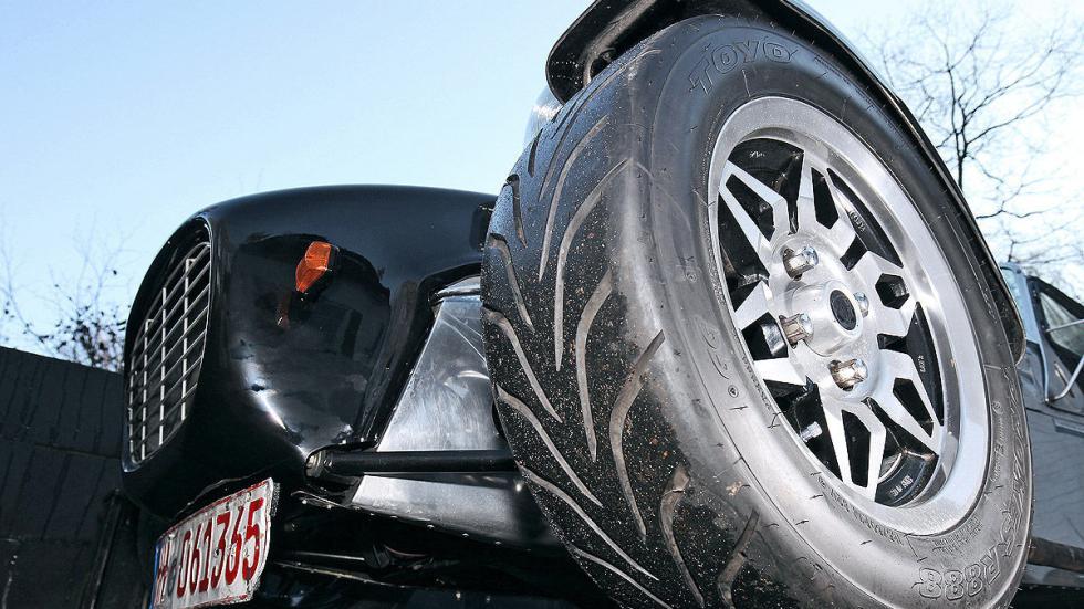 Prueba radical: Caterham Super Seven lateral rueda