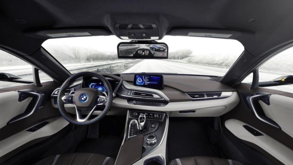 BMW i8 Mirrorless concept salpicadero