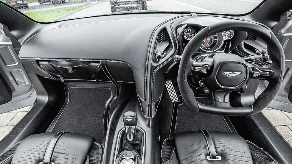 Aston Martin DB1O 2016 volante