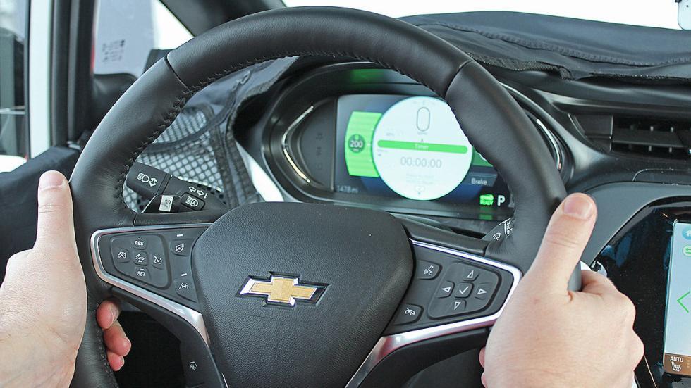 Primera prueba: Chevrolet Bolt EV eléctrico detalle volante