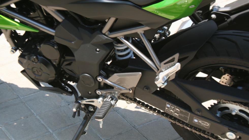 Prueba-Kawasaki-Z250-SL-chasis
