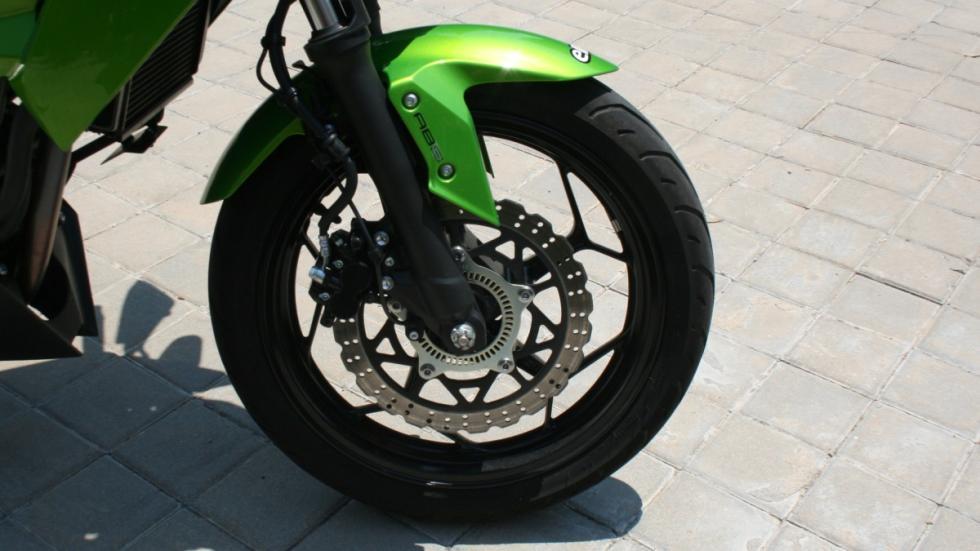 Prueba-Kawasaki-Z250-SL-frenos
