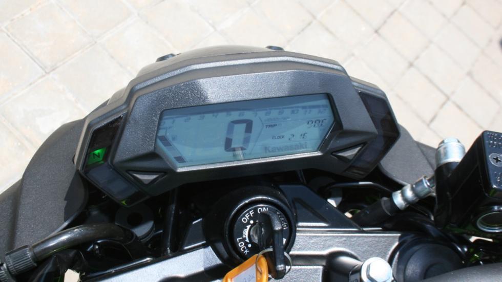Prueba-Kawasaki-Z250-SL-cuadro