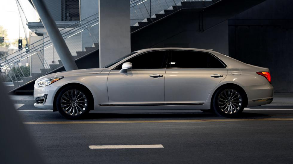 Genesis-G90-2016-lateral