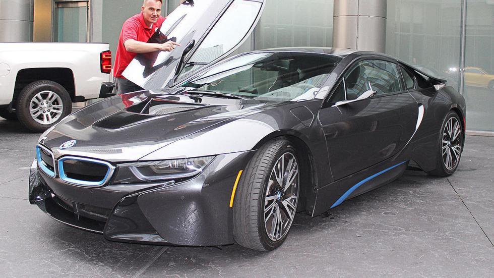 BMW i8 Mirrorles morro puerta