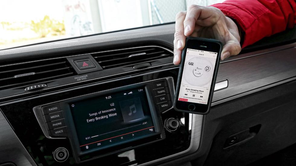 Volkswagen Touran 2015 conectividad