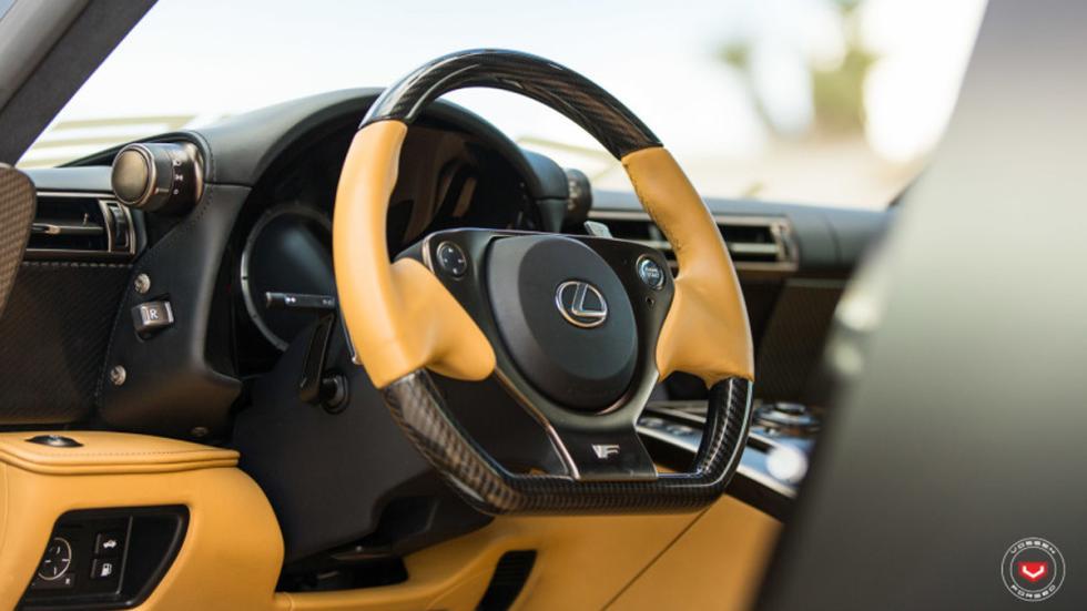 Lexus LFA Vossen volante