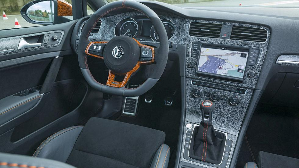 Oettinger Golf 500R interior